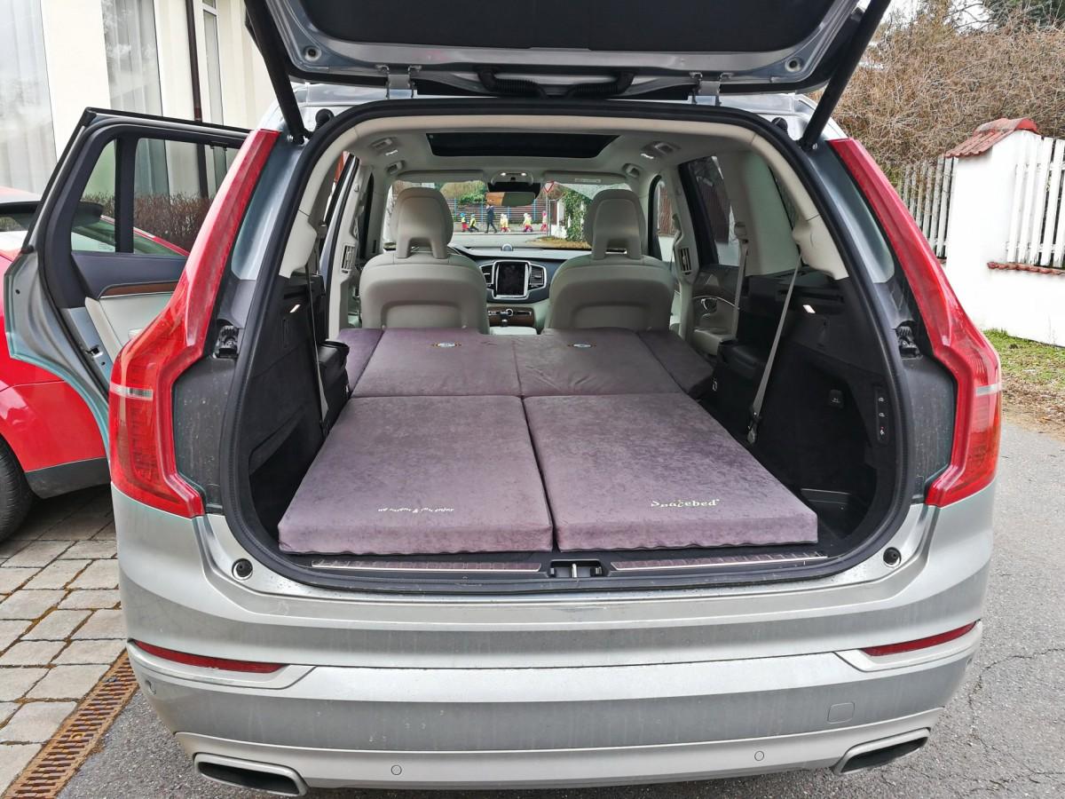 Schlafen im Auto Volvo XC90