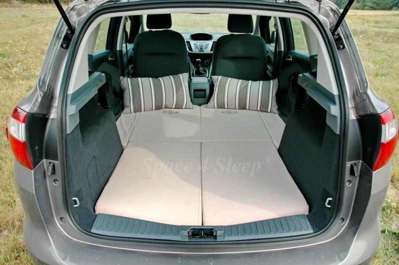 Schlafen im Ford C-Max